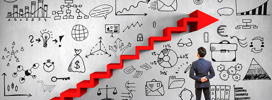 A imagem mostra uma pessoa olhando para uma parede com desenhos e com uma seta em forma de escada.